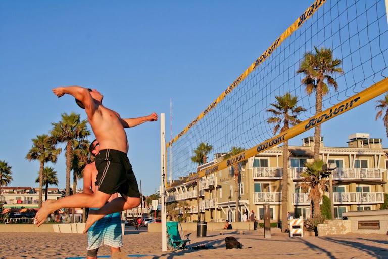 Play Beach Volleyball Together on Boyfriends Birthday